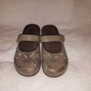 Vionic with Orthoheel Hannah Mules in Gray Size 7M